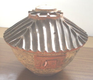 Han Dynasty (206BC-220AD) model of a polychromed pottery grainery , fine quality