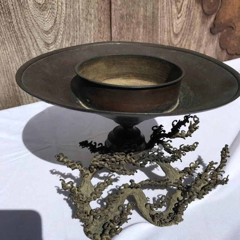 Japan Wave Pattern Antique Caste Bronze Ikebana Vase 19th Century