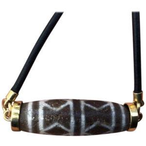 Tibet Antique Protection Six Eye Dzi Bead 18-Karat Gold Amulet Necklace