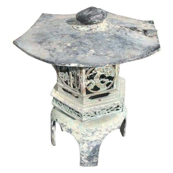 Japan Fine Vintage Hand Cast Bronze Lantern with Exquisite Details